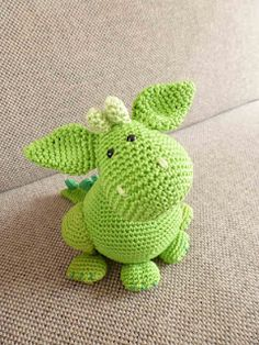 Cute Dragon amigurumi!  pattern at  ravelry - http://www.ravelry.com/designers/tessa-van-riet-ernst  I love this little guy!!!