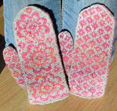 End of May Mittens pattern on Ravelry by Mandy Powers