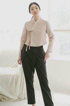 Ti-quel or Ti&Kel designz Korean Traditional Dress, Traditional Dresses, Korean Dress, Korean Outfits, Fashion Sewing, Kimono Fashion, Korean Street Fashion, Asian Fashion, Modern Hanbok