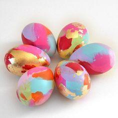 Ovos de Páscoa decorados com esmaltes coloridos | Eu Decoro