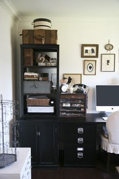 Antique and modern vintage furniture palette brings delightful ideas for home office design in vintage style Vintage Home Offices, Vintage Office, Vintage Home Decor, Antique Decor, Vintage Interiors, Retro Vintage, Vintage Stil, Home Office Design, Home Office Decor