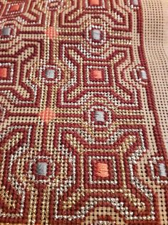 Bohemian Rug, Rugs, Crochet, Motifs, Fabrics, Home Decor, Punto De Cruz, Dots, Embroidery
