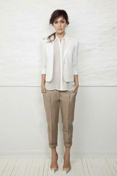 Short beige pants +