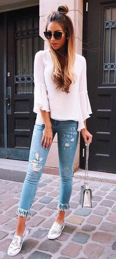 summer outfits White Top + Ripped Skinny Jeans + Metallic Pumps