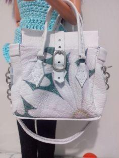 bolsa artesanal de couro para boneca barbie