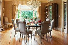 dining room decorating ideas | Feng Shui interior design and dining room decor with a round table