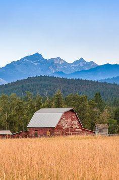 Lost Horse Creek Barn Hamilton, Montana