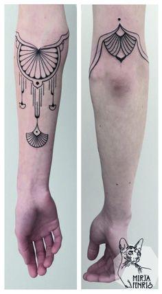 Mirja Fenris Tattoo - My best tattoo list Kunst Tattoos, Body Art Tattoos, Sleeve Tattoos, Art Nouveau Tattoo, Backpiece Tattoo, Sternum Tattoo, Diy Tattoo, Piercings, Pretty Tattoos