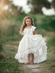 Family Photo Outfits, Cute Girl Outfits, Lace Flower Girls, Flower Girl Dresses, Little Girls Fancy Dresses, Cute Dresses, Girls Dresses, Little Girl Photos, Girl Photo Shoots