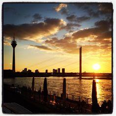#Düsseldorf #Abendsonne #Rhein