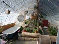 Off the Grid greenhouse | Scheben's homemade greenhouse with bathtub for summer bathing