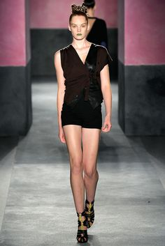 Paul Smith - Spring 2010 Ready-to-Wear - Look 16 of 37