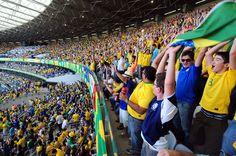 Torcida brasileira para matéria sobre rivalidade na Copa #dECObertura
