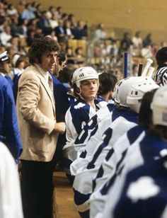 Coach Roger Neilson - one of the brightest minds in hockey history ! Hockey Games, Ice Hockey, Maple Leafs Hockey, Hockey Pictures, Hockey Boards, Hockey Coach, Vancouver Canucks, Nfl Fans, Toronto Maple Leafs