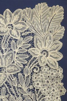 Detail of Duchesse lace shawl, European, late 19th or early 20th century, KSUM 1995.30.10.