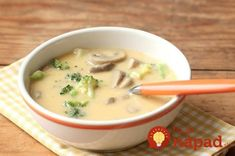 Homemade Cheddar and Mushroom Soup - Everyday Food with Sarah Carey Chowder Recipes, Healthy Soup Recipes, Baguette, Carrots Healthy, Chicken Broccoli Cheese, Lasagna Soup, Mushroom Soup, Mushroom Recipes, Everyday Food