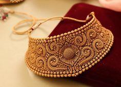 Gold jewelry fashion - Self Design Antique Chokers – Gold jewelry fashion Gold Jewelry Simple, Gold Jewellery, Simple Necklace, Bridal Jewelry, Gold Choker, Gold Necklace, Choker Necklaces, Chokers, Antique Jewellery Designs