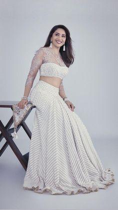 Indian Fashion Dresses, Indian Designer Outfits, Indian Outfits, Designer Dresses, Pakistani Outfits, India Fashion, Latest Saree Blouse, Saree Blouse Designs, Raw Silk Lehenga