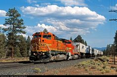 The RoadPig at Penoyar - Greg Brown Bnsf Railway, Mount Shasta, Rail Transport, Burlington Northern, Railroad Photography, Train Engines, Engine Types, Train Tracks, Diesel Engine