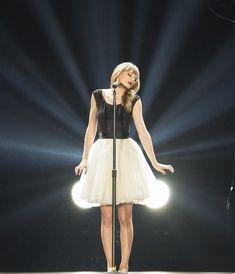 Taylor Swift Red Tour, Swift Tour, Taylor Swift Outfits, Taylor Swift Style, Red Taylor, Taylor Alison Swift, Taylor Swift Treacherous, Miss Americana, Ethel Kennedy