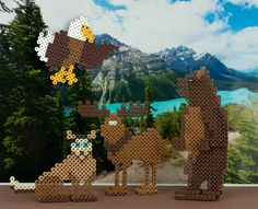 What wildlife will you find in Alaska? How about a grizzly bear, a moose, a sled dog, and a bald eagle? You can create these easily in Perler Beads, either as flat pieces or with the additional foot pieces to make them stand.