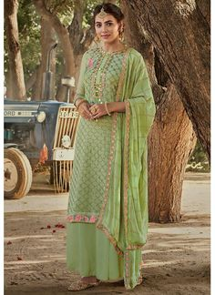 Pakistani Dresses Casual, Indian Fashion Dresses, Pakistani Dress Design, India Fashion, Palazzo Suit, Festival Wear, Salwar Suits, Traditional Outfits, Suits For Women
