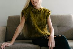 'Everyday' is a collection of 11 modern hand knits that are casual, comfortable and truly fun to knit and wear. The modern silhouettes of the tanks and sweaters in this book will work their way into every season of your wardrobe, on their own or as layering pieces. Chunky, bulkier yarns round out this collection with a cozy range of accessories to get you through the colder months.