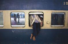 Hanging Passenger | von kazimushfiq