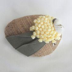 たんぽぽをモチーフにした、絵になる素敵なブローチです。[ 商品詳細 ]……………&hel...|ハンドメイド、手作り、手仕事品の通販・販売・購入ならCreema。