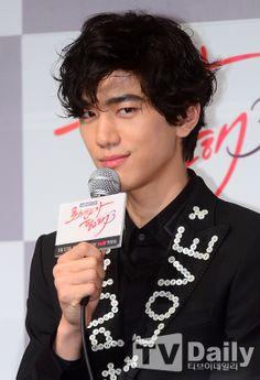 Sung Joon denies dating Suzy Asian Actors, Korean Actors, Korean Dramas, Can We Get Married, Sung Joon, Watch Drama, Song Joong Ki, Kdrama Actors, Korean Wave