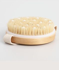 Dry Brushing Is the Best-Kept Secret to Smooth Skin—Here's How It Works Beauty Hacks Trockenbürsten Make Up Tools, Beauty Care, Beauty Skin, Beauty Tips, Beauty Hacks, Diy Beauty, Face Beauty, Homemade Beauty, Beauty Products