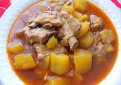 Estofado de patatas y costilla Pork Recipes, Cooker Recipes, Mexican Food Recipes, Real Food Recipes, Yummy Food, Spanish Kitchen, Spanish Dishes, Mole, Cuban Dishes