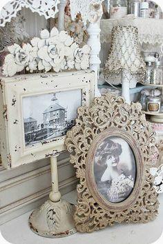 *lamps,frames,photos