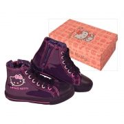 "Botines ""casual"" de Hello Kitty...: http://www.pequenosgigantes.es/pequenosgigantes/854211/botines-purple-street-de-hello-kitty-.html"