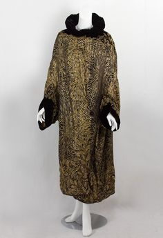 1920s Clothing at Vintage Textile: #2741 Beaded evening coat