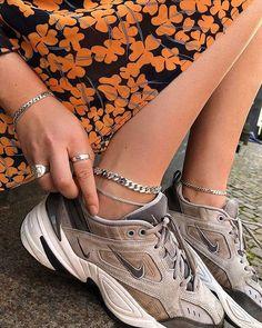 pinterest: aashlynwiswall i 2019   Skor, Sandaler och Klädstilar