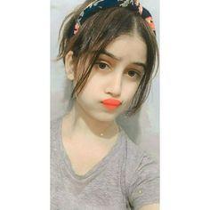 Beautiful Girl Makeup, Beautiful Girl Photo, Beautiful Girl Indian, Cute Girl Poses, Girl Photo Poses, Cute Girls, Girls Dp, Simple Girl Image, Cool Girl Pictures
