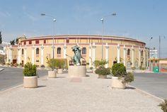Praça de Toiros Palha Blanco e Monumento aos Forcados, Vila Franca de Xira