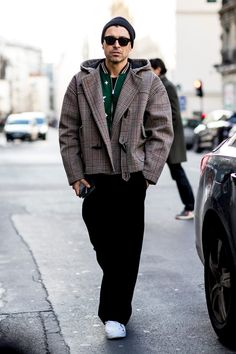 Paris Fashion Week Men's Street Style Fall 2018 Day 1. The best Men's Street Style looks from the Paris Men's FW18 shows and fashion week. See the latest Men's Street Style from the menswear fashion shows at TheImpression.com