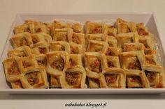 Tarun Taikakakut: Suolaiset leivonnaiset Waffles, Food And Drink, Snacks, Breakfast, Breakfast Cafe, Appetizers, Waffle, Treats, Finger Food