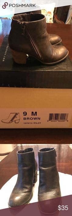 """Diba brand brown booties. Excellent cond. Size 9 Like new Diba brand double zip Brown booties. Style is """"Pilot"""". Size 9.  Style: 5490396 Double zip- One for fashion- one for use Heel: Approx. 2 1/2"""" In excellent used condition!  The boots have only been worn once or twice as evidenced by the 9 sticker still on the sole. 😉 the brown is a great distressed brown, not a color you see commonly. Really on trend, nice looking bootie.  Can ship with or without box. I'm a 5 star rated seller and…"""