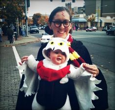 Would you dare to wear these matching Halloween costumes? | BabyCentre Blog