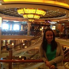 sisters_in_travel-the_travel-alto_mar-ruby_princess-the_piazza-lustre2