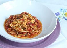 Skinny Spaghetti | What an easy pasta recipe! It makes for a pretty quick and simple dinner.