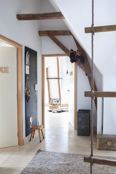 Lovely children's room with natural materials - / Photo's made by Margriet Hoekstra at house of Rosemarijn van Zandvoort