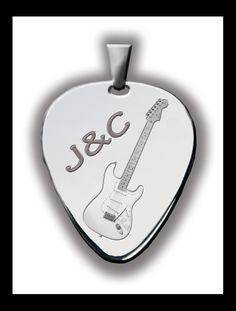 Púa de guitarra en plata para colgante personalizada