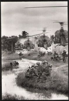 Imagenes: Año 1967. Guerra de Vietnam.  what a awful time this was for the poor guys and our country this was.