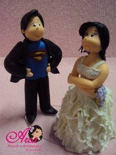 Topo- Noivo de Superman e noiva Irritada