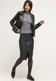 Dorothy Perkins - Jupe crayon - black Pencil Skirt Black, Dress With Sneakers, Leather Jacket, Sporty, How To Wear, Jackets, Outfits, Layering, Dresses