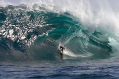 Blast from the past - Andy Irons catching a tasty wave 2011